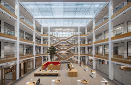 Sparkasse LeerWittmund, Benjamin Ellwanger und Ellwanger Menzel Architekten Ingenieure GmbH, Foto: Werner Huthmacher