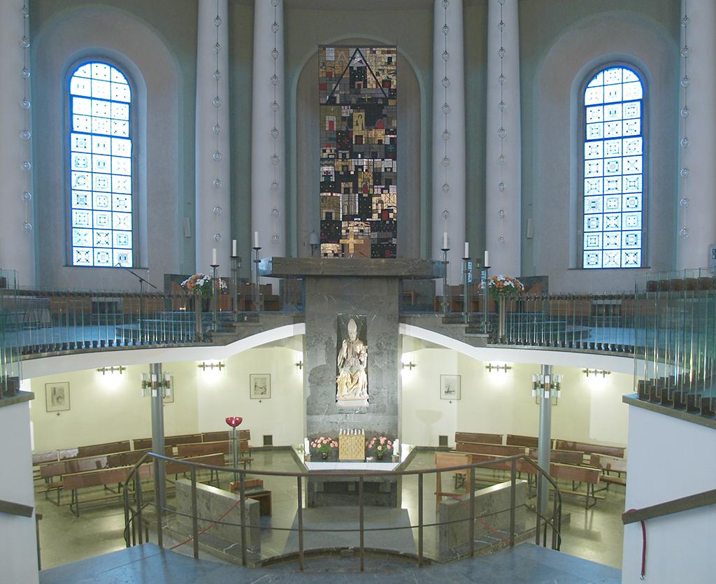 Die Hewgiskathedrale, Blick zum Untergeschoss, 2005 (Bild: Wikicommons, Arnold Paul)