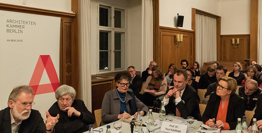 Berlin-Saal der Stadtbibliothek – Stadtgespräch zur Bauakademie (Foto: Erik-Jan Ouwerkerk)