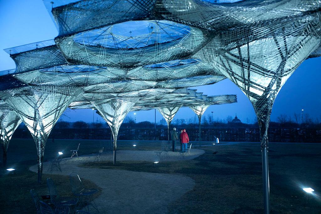 Das translozierte Dach auf dem Vitra-Gelände in Weil am Rhein (Bild: Vitra, Julien Lanoo)