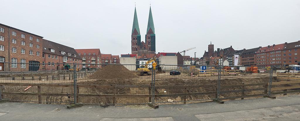 Gründerquartier Lübeck: Im Schatten von Sankt Marien wird eine kleinteilige Bebauung mit Satteldächern realisiert. (Foto: Wilfried Dechau)
