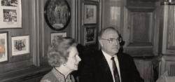 Helmut Kohl mit Margart Thatcher im Deidesheimer Hof (Bild: Deidesheimer Hof)