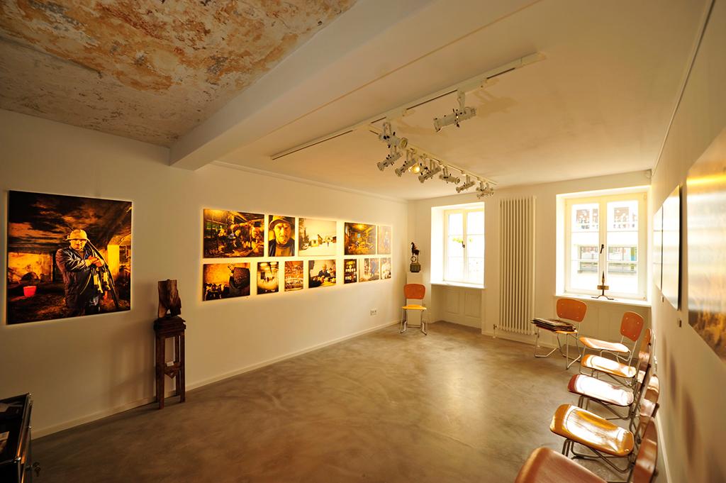Premiere mit einer Fotoausstellung (alle Fotografiendieses Beitrags: Petra Harth)