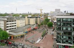 Blick vom Deutsche-Bank-Hochhaus in die Neue Große Bergstraße,