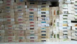 Manche Regale sind noch immer mit Waren aus zypriotischer Vorkriegsproduktion gefüllt. (Bild: Olaf Bartels)