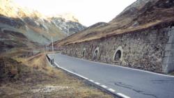 Jürg Conzett und die Denkmalpflege: Die Historizität der Infrastruktur ist eine Forschungsarbeit, aus der Jürg Conzett wie kein anderer Erkenntnisse gewinnt. (Bild: Conzett Bronzini)