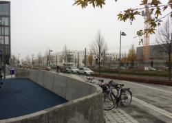 Die Hauptverkehrsachse in Höhe des Rietbergsplatzes (Bild: Ursula Baus)