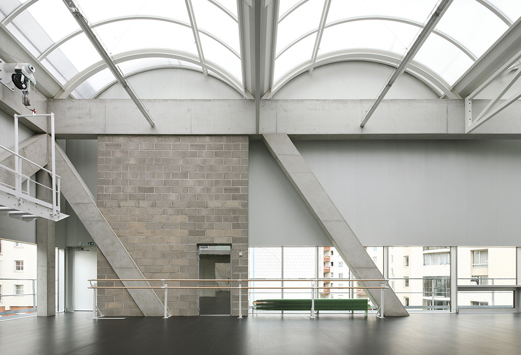 Kultur- und Sportzentrum in Paris von Bruther (Bild: Julien Hourcade)