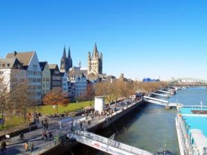 Rheinufertunnel und garten in Köln (Bild: CreativesCommons, Oliver Wald, Eschweiler)