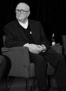 Friedrich Achleitner 2008 bei der Verleihung des Schelling Architekturtheoriespreises (Bild: Bernd Seeland)
