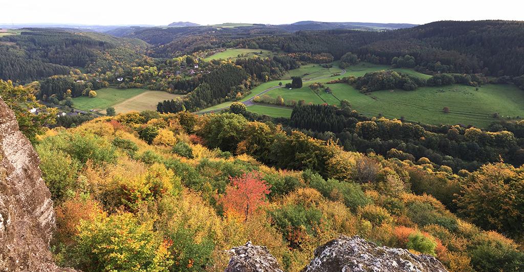 Rund 100 Kilometer von Frankfurt am Main entfernt: in der Eifel (Bild: Wilfried Dechau)