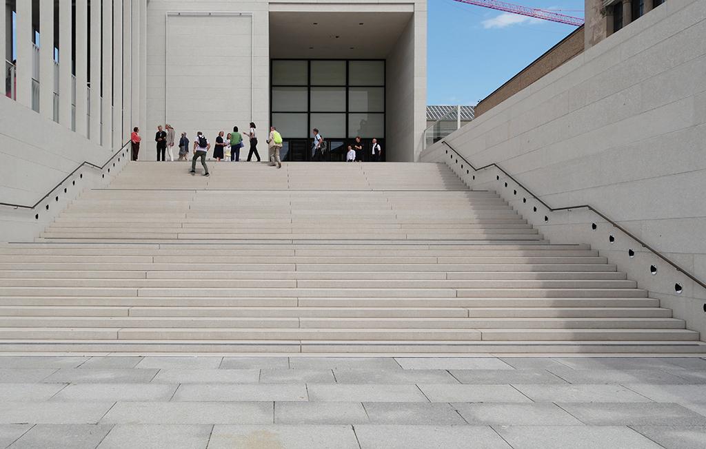 """Kulisse der """"Schule von Athen"""": beim Presserundgang (Bild: Olaf Bartels)"""