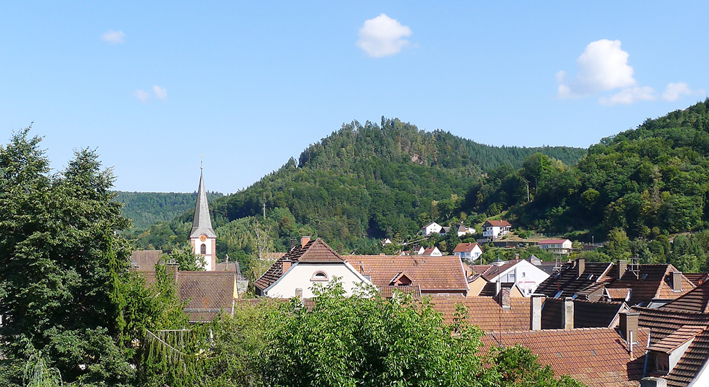 1936_Dorf_Wald