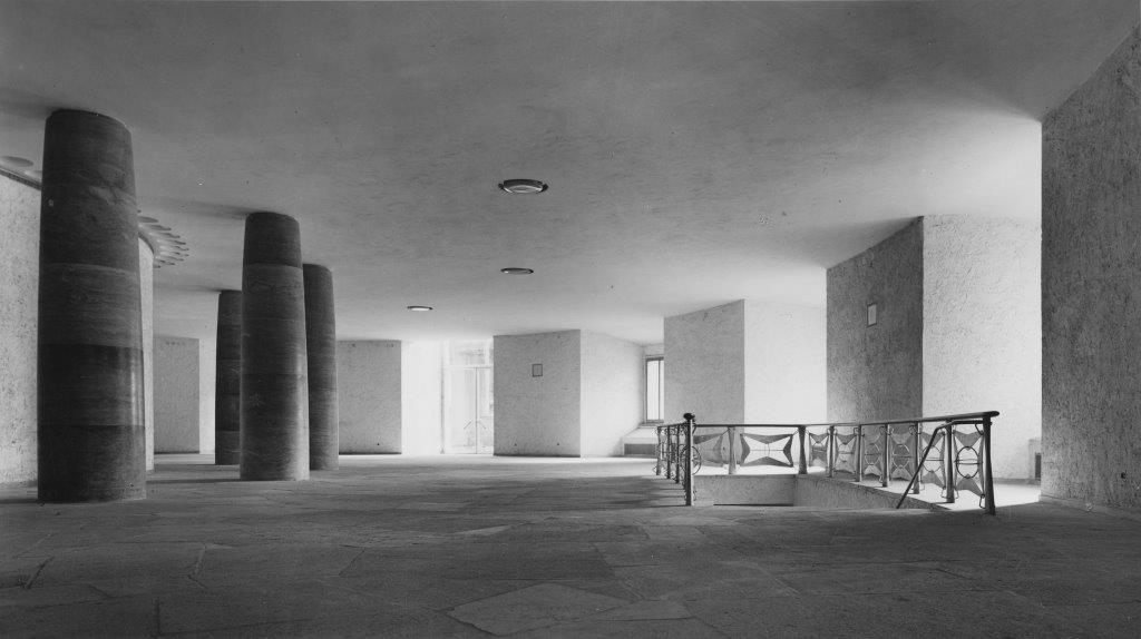 Wandelhalle, etwa 1948 (Foto: Artur Pfau, Institut für Stadtgeschichte)