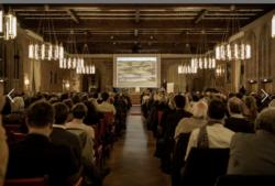 Nobler Rahmen im Heidelberger Schloss: Meinhard von Gerkan und Volkwin Marg, selten gemeinsam zu Gast, 2016 (Bild_ Thilo Ross)