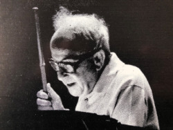Julius Posener (1904-1996) beim Vortrag (Bild: Archplus, Oktober 1981)