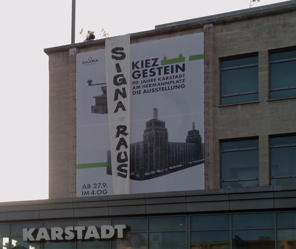 2010_AT_unknown_Karstadtheute2