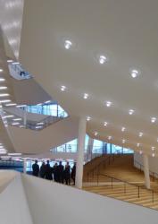 Foyer der Elbphilharmonie in Hamburg | Herzog & de Meuron, 2017 (Bild: Ursula Baus)