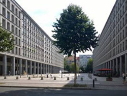 Walter Benjamin Platz in Berlin-Charlottenburg (Bild: Wolfgang Kil)