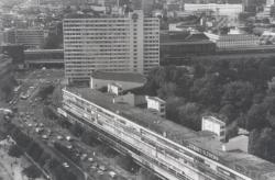 Huthmacherhaus in Berlin (Bild: Archiv Paul Schweber, 1990er Jahre, moderne-regional.de)