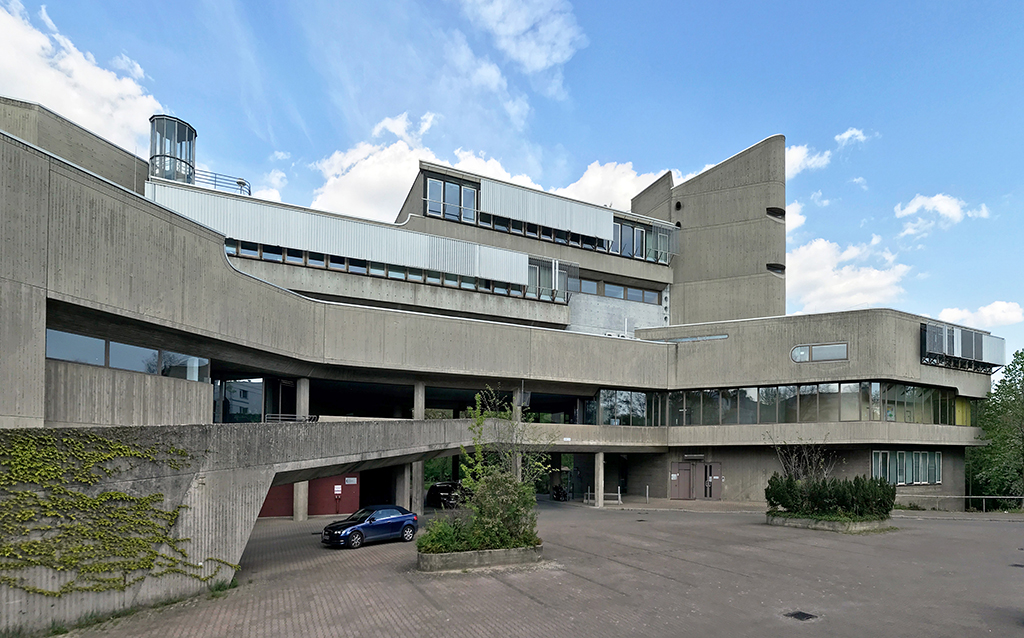 Hygieneinstitut in Berlin-Lichterfelde von Fehling Gogel (Bild: Gunnar Klack, 2020 | https://commons.wikimedia.org/w/index.php?curid=89500966)