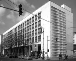 Wiratex-Gebäude, 1962-1964 nach einem Entwurf des Architekten Peter Senf errichtet (Bild: wikimedia free, Jörg Zägel, 2020)