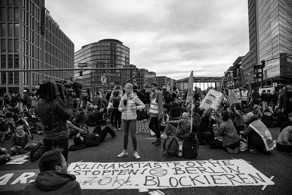 2037_SL_pixabay_Protest