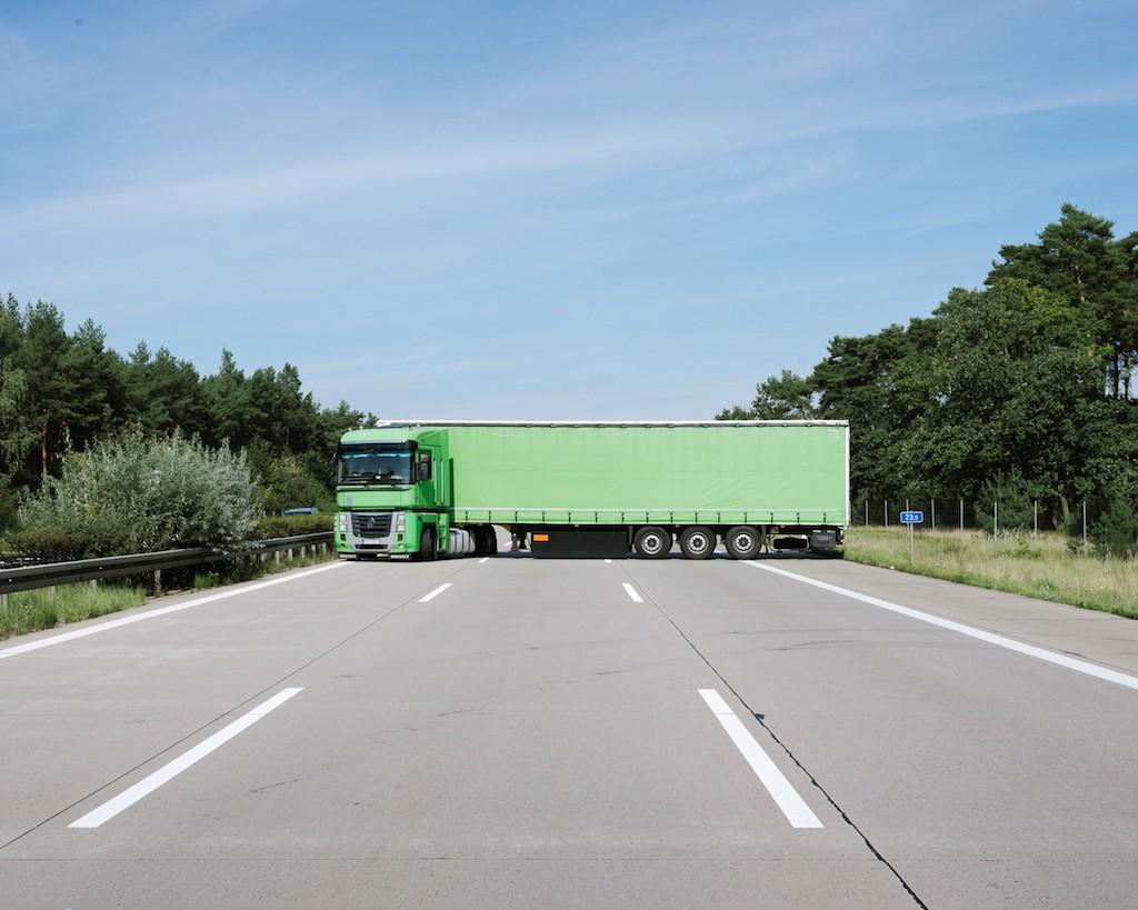 2042_FE_brueggemann_Autobahn