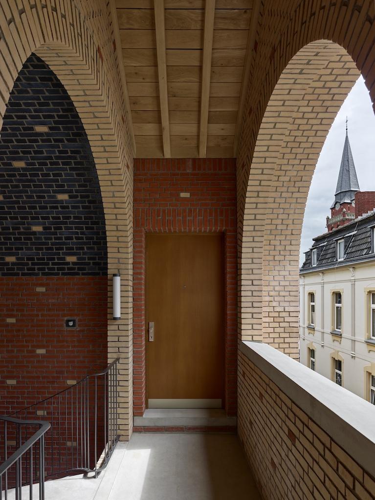 2116_AT_mueller_UweSchroeder_HausImBurggarten_Bonn