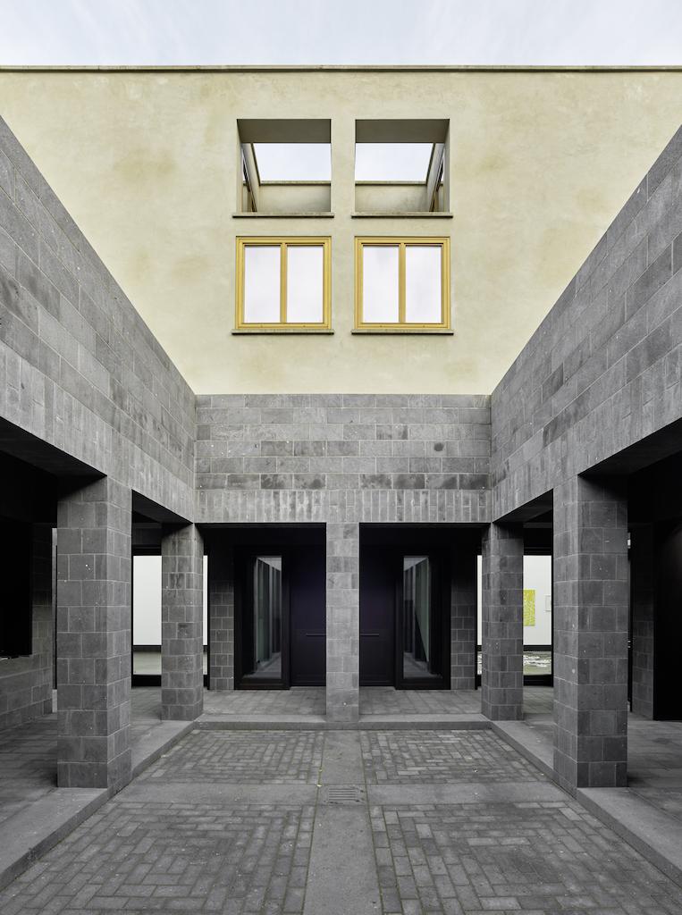 2117_AT_StefanMueller_UweSchroeder_Galerie-undAtelierhaus_Bonn_2009–2015_02