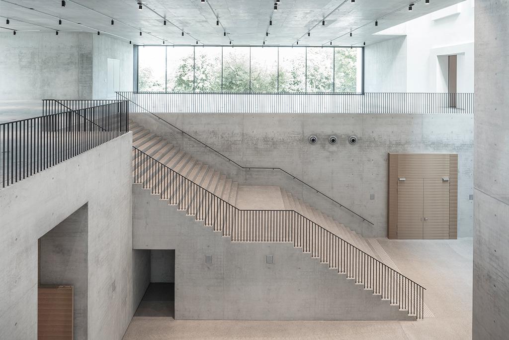 Aifgang vom Foyer zur Dauerausstellung (Bild: Roland Halbe)