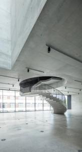 Wendeltreppe vom ersten ins zweite Obergeschoss (Bild: Roland Halbe)