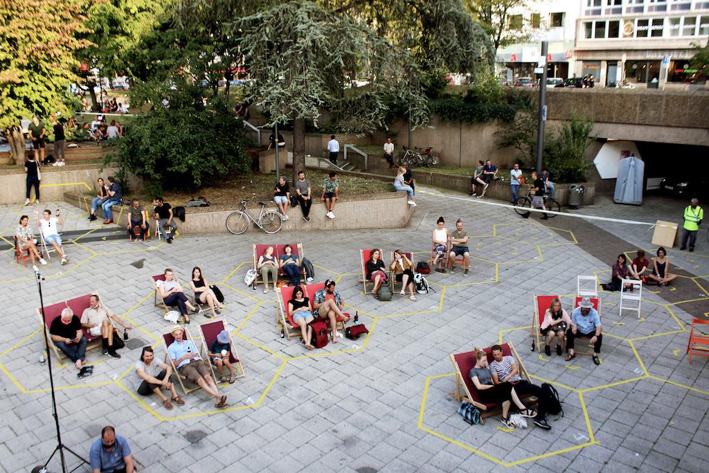 Ebertplatzkonzerte 2020 mit Abstandsraster von der Köln International School of Design KISD. (Bild: Stadt Köln)