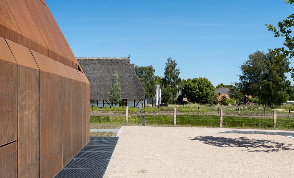 Dachformationen in unterschiedlichem Material (Bild: Wilfried Dechau)