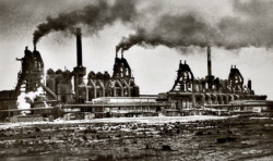 Der Rauch der frühen Jahre in Eisenhüttenstadt (Postkartensammlung Maleschka)