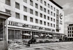 Das Hotel Lunik, 1968 (Postkartensammlung Maleschka)