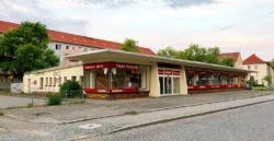 Der Pavillon als Ramschparadies, Aufnahme von 2020 (Bild: Martin Maleschka)