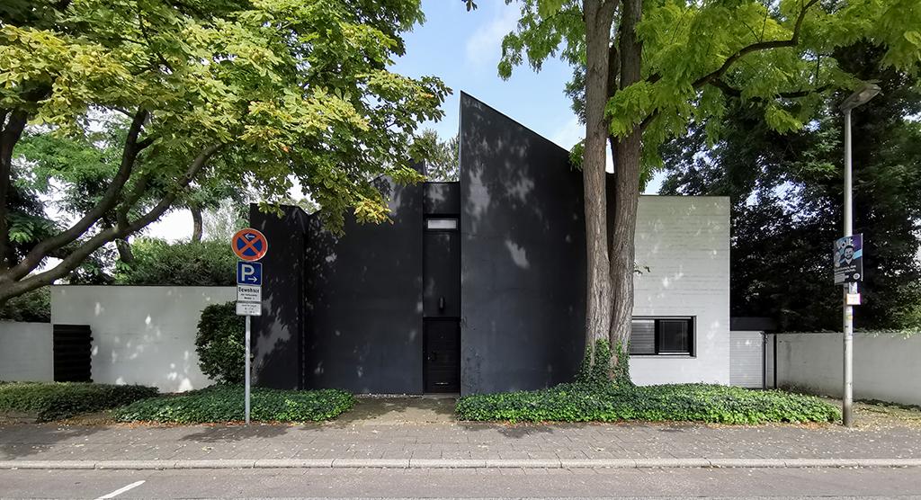 """""""Haus Pehnt"""" in Köln-Weiden (Bild: Wilfried Dechau)"""